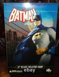 Dc direct COLLECTIBLES 12 13 INCH 1/6 SCALE SERIES CLASSIC BATMAN DELUXE FIGURE