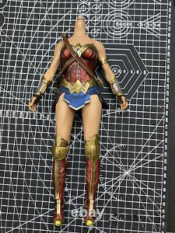 Hot Toys HT 1/6 Scale Wonder Woman 3.0 Outfits Action Figure Body 12in. MMS451